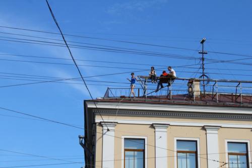 Spaziergang auf den Dächern von St. Petersburg