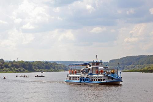 Der Fluss Oka in Tarussa